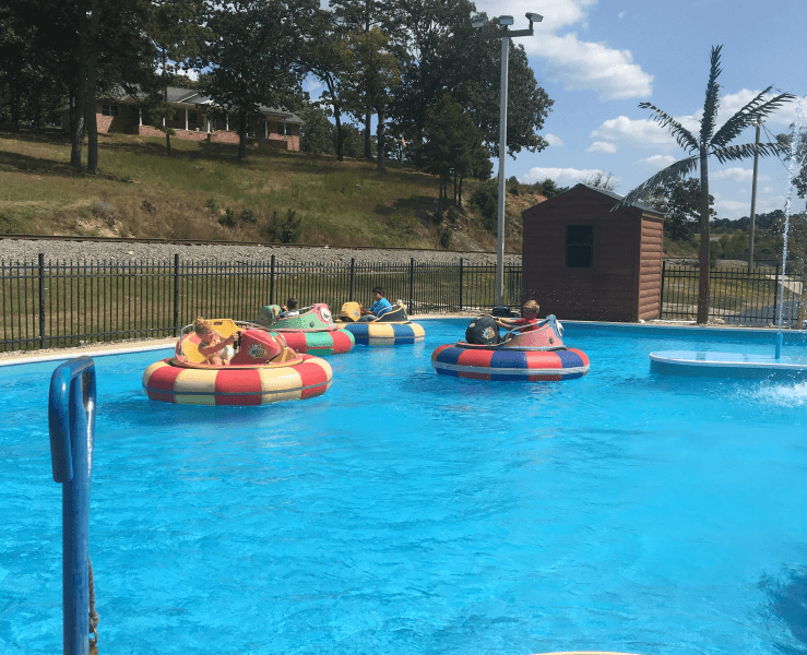 Funtrackers Bumper Boats – Kids Playing