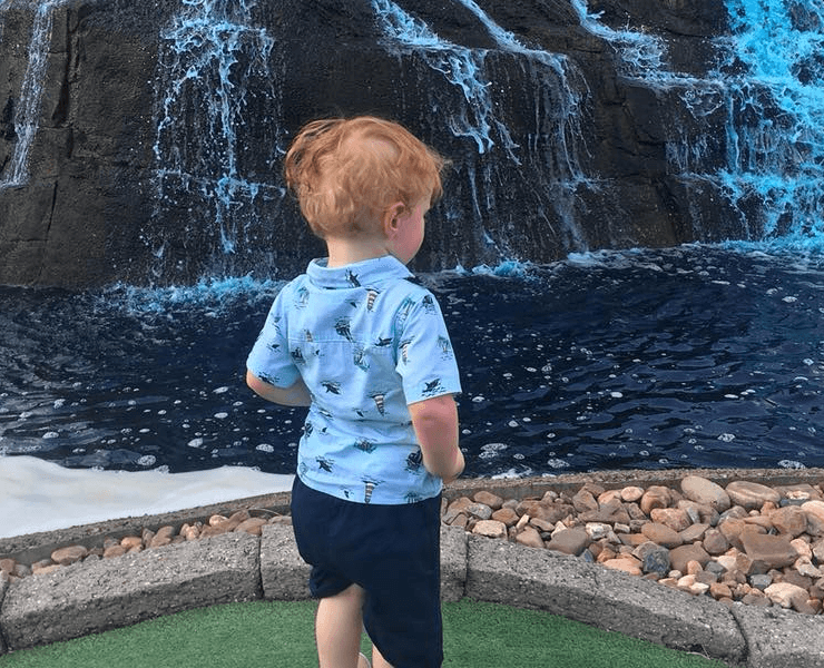 Funtrackers Mini Golf – Boy Looking At Water