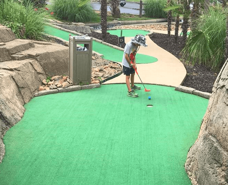 Funtrackers Mini Golf – Boy Playing