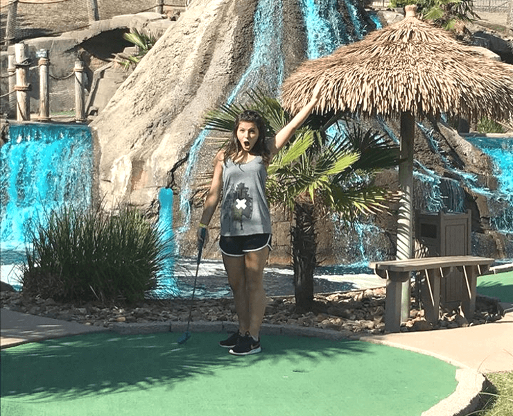 Funtrackers Mini Golf – Girl Celebrating