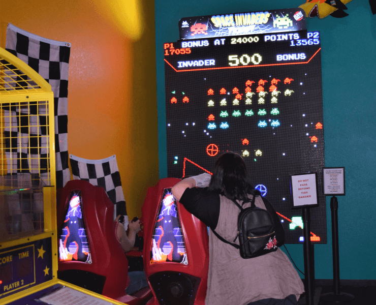 Funtrackers Arcade – Girl Watching Players